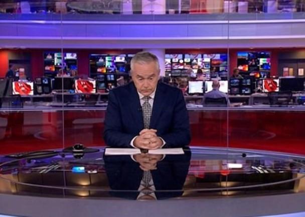 BBC男主播镜头前呆坐4分钟